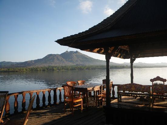Resto Apung Kedisan Kintamani 3 » Resto Apung Kedisan Kintamani, Restoran Unik yang Mengapung di Atas Danau Batur