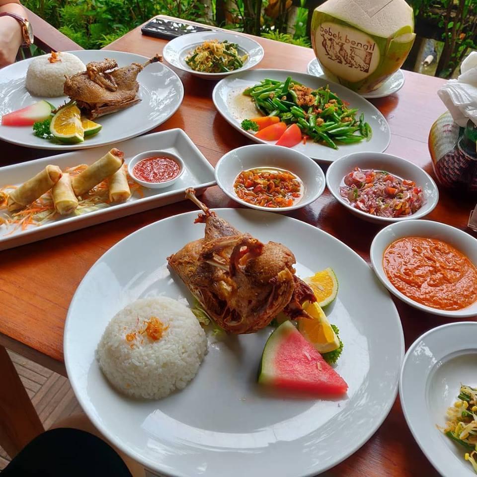 Restoran Bebek Bengil Ubud, Kuliner Halal yang Legendaris di Bali