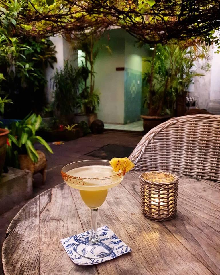 Restoran Biku Bali 4 » Restoran Biku Bali, Tempat Makan Bernuansa Klasik Milik Artis Happy Salma