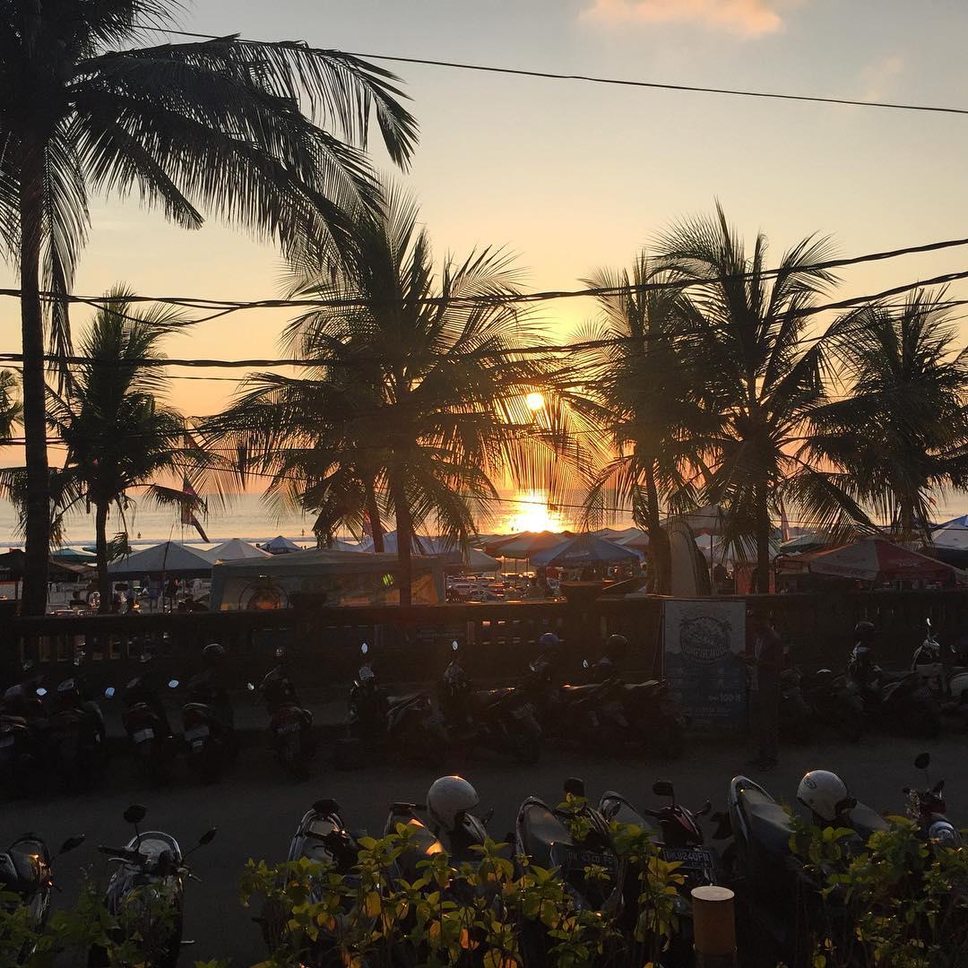 Restoran Seaside Legian, Resto dengan Pemandangan Indah Tepi Pantai Legian