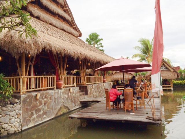 Restoran Segara Bambu Denpasar 3 » Restoran Segara Bambu Denpasar, Tempat Makan dengan Suasana yang Romantis dan Nyaman