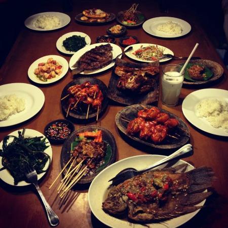 Restoran Segara Bambu Denpasar 4 » Restoran Segara Bambu Denpasar, Tempat Makan dengan Suasana yang Romantis dan Nyaman