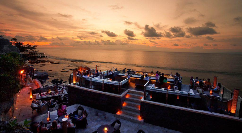 Rock Bar Bali 1 1024x563 » Rock Bar Bali, Resto Atas Tebing dengan Pemandangan Eksotis Tepi Pantai