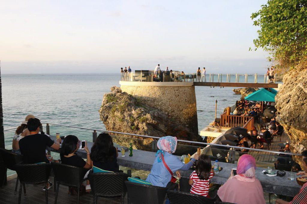 Rock Bar Bali 2 1024x681 » Rock Bar Bali, Resto Atas Tebing dengan Pemandangan Eksotis Tepi Pantai