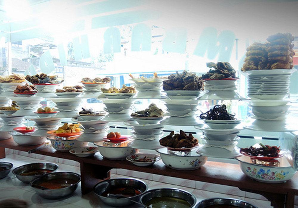 Rumah Makan Minang Sumbar Hidup 3 » Rumah Makan Minang Sumbar Hidup, Kuliner Halal Murah Meriah di Ubud