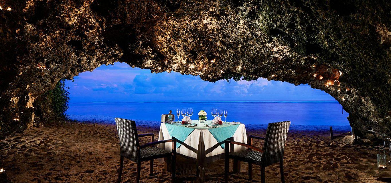 Samabe Cave Dinner Bali, Pengalaman Makan Malam Romantis di Gua Tepi Pantai