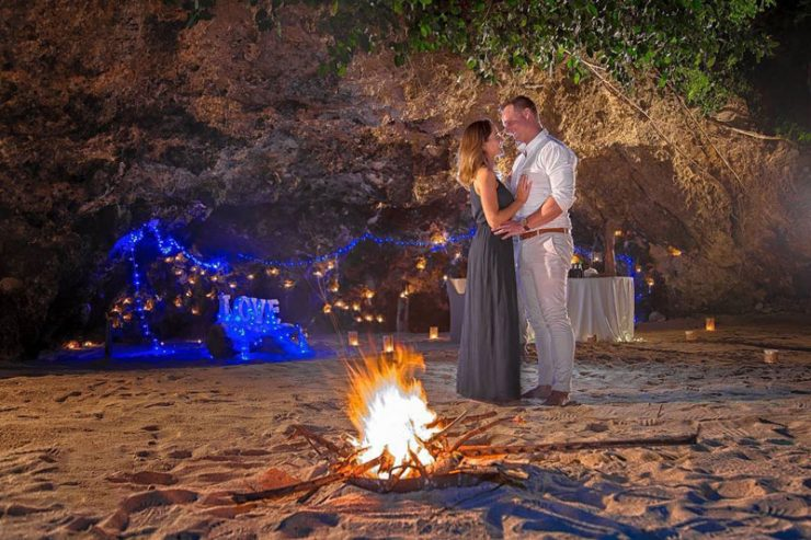 Samabe Cave Dinner Bali 3 » Samabe Cave Dinner Bali, Pengalaman Makan Malam Romantis di Gua Tepi Pantai