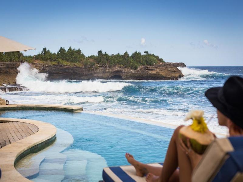 Sandy Bay Beach Club Nusa Lembongan 2 » Sandy Bay Beach Club Nusa Lembongan, Bar Tepi Pantai dengan Suasana Romantis