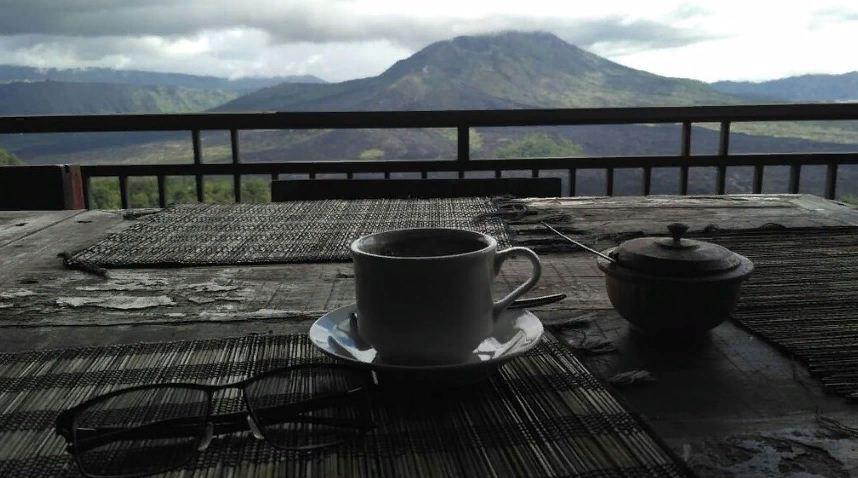 Kulineran Enak di Sari Organik Pulu Mujung Warung Kintamani Sambil Menyaksikan Keindahan Gunung Batur