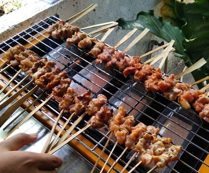 Sate Ayam Babi Oka Bali 1 » Sate Ayam Babi Oka Bali, Warung Makan Spesialis Sate yang Enak di Pulau Dewata