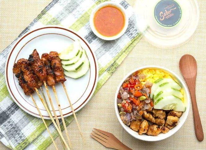 Sate Ayam Babi Oka Bali, Warung Makan Spesialis Sate yang Enak di Pulau Dewata
