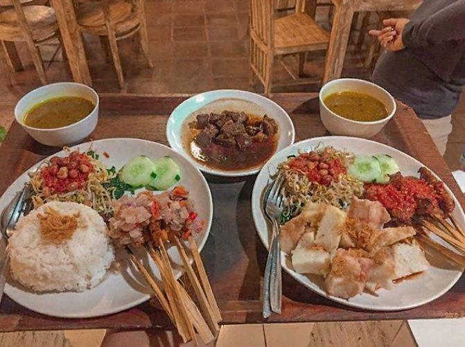 Sate Ayam Babi Oka Bali 3 » Sate Ayam Babi Oka Bali, Warung Makan Spesialis Sate yang Enak di Pulau Dewata