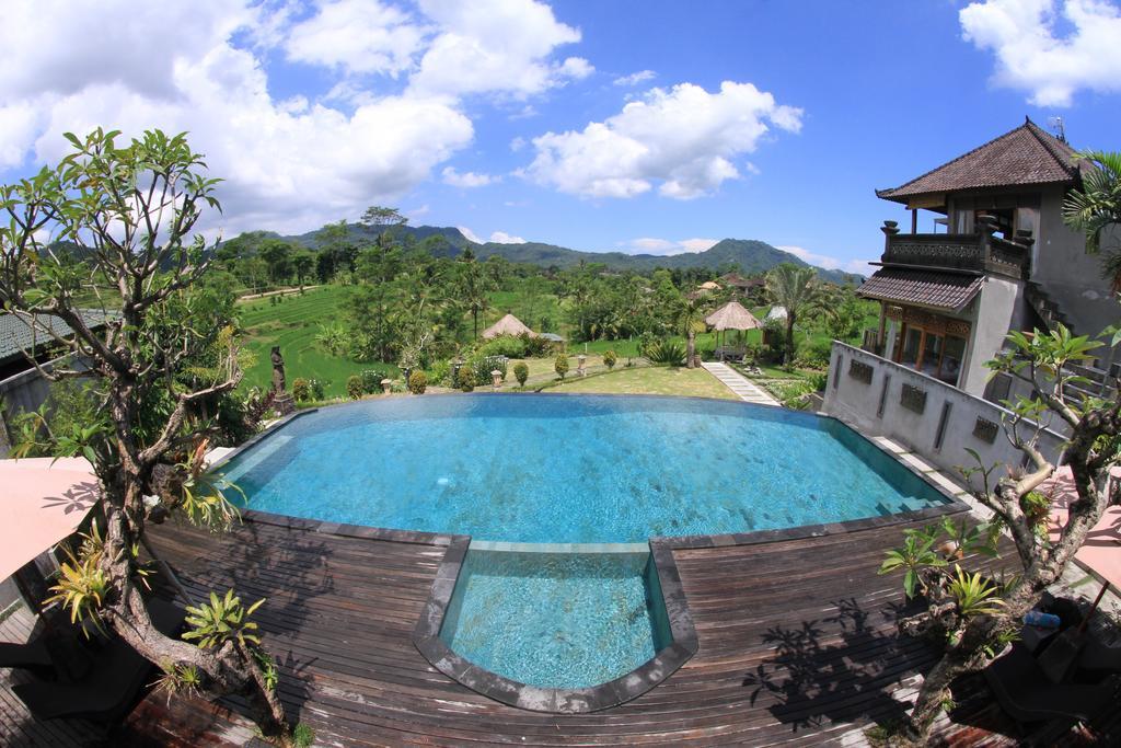 Sawah Indah Villa Ubud, Penginapan yang Nyaman Dikelilingi Hamparan Sawah dan Pegunungan