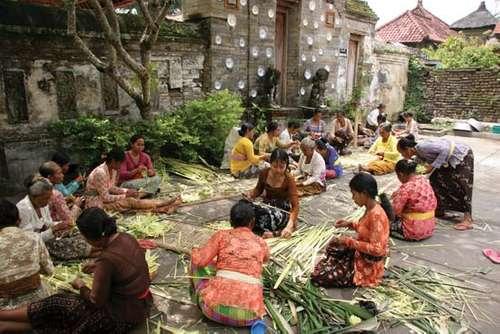 sistem kasta masyarakat Bali