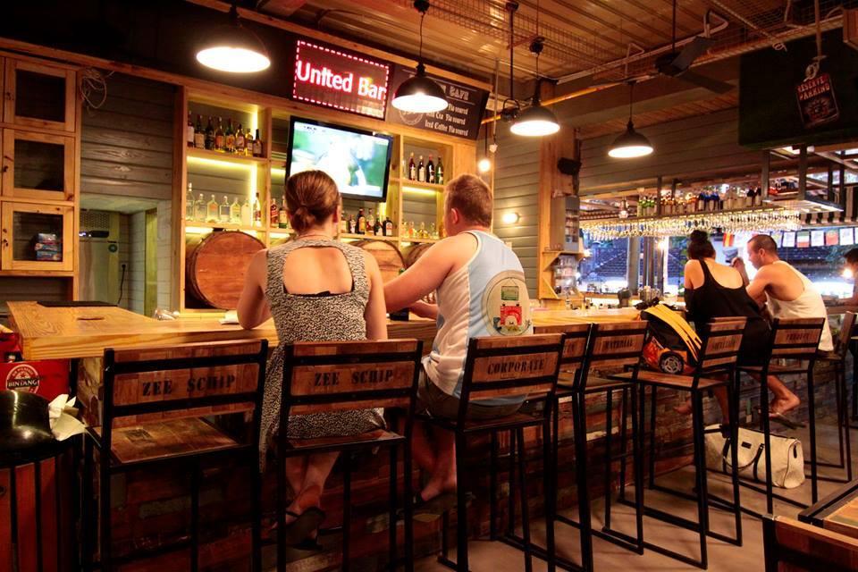 Stadium Sport Bar Bali 2 » Stadium Sport Bar Bali, Café yang Khusus untuk Penggila Olahraga
