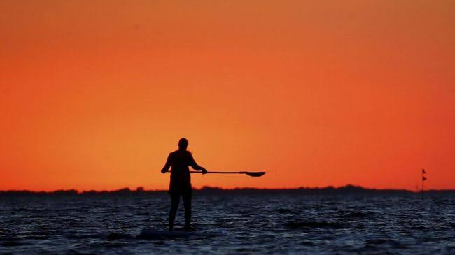 Stand Up Paddle di Pantai Sanur