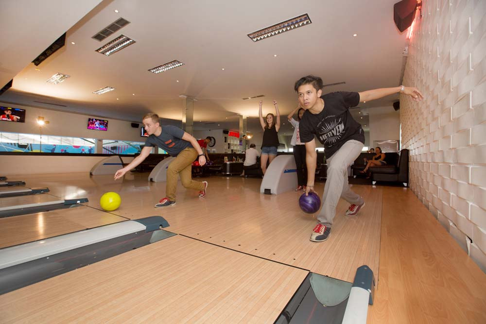 Strike Bowling Alley Bali 3 » Strike Bowling Alley Bali, Liburan Seru Bermain Bowling Bersama Buah Hati