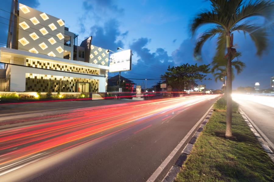 Ada Apa Saja di Kawasan Sunset Road Bali?