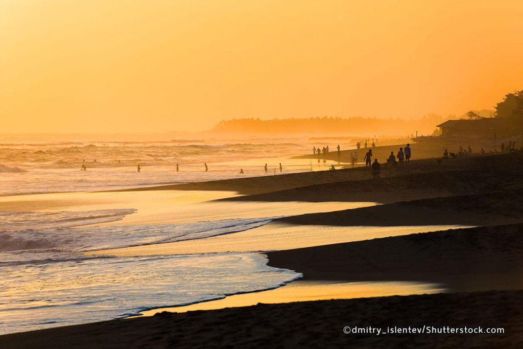 Sunset di Pantai Berawa Canggu Bali
