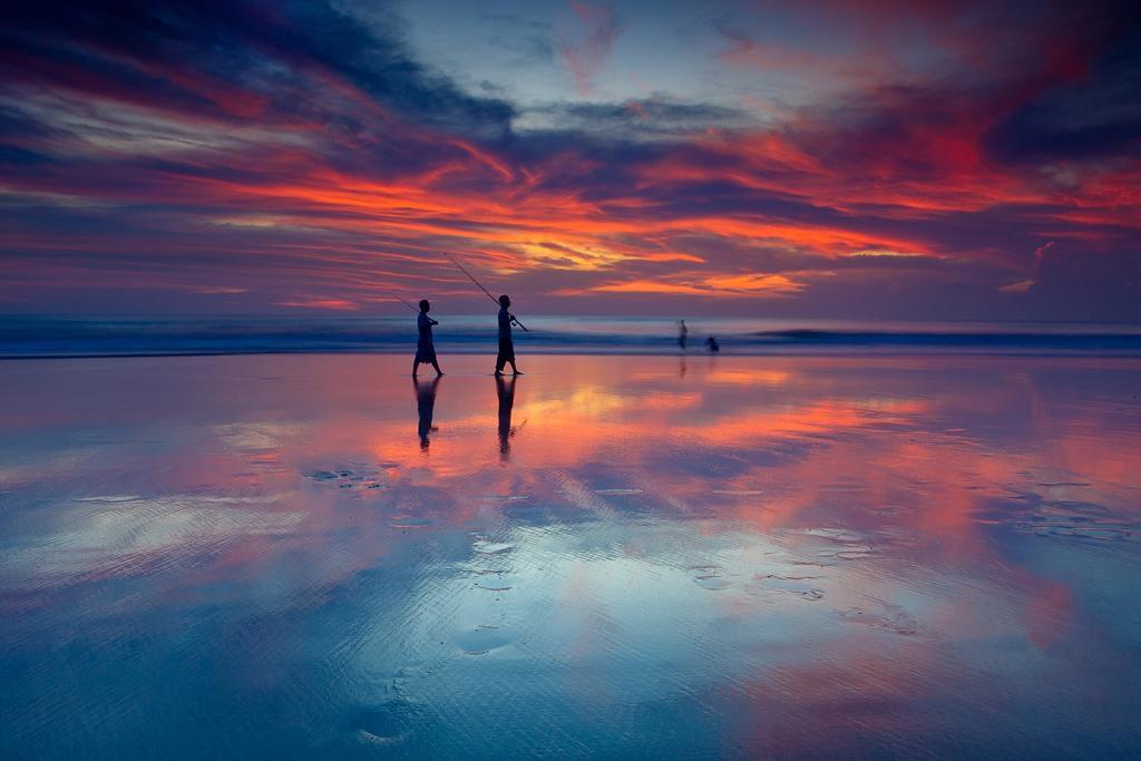 Sunset di Pantai Seminyak kredit 1024x683 » Pantai Seminyak Bali, Ada Apa Saja Sih di Sana?