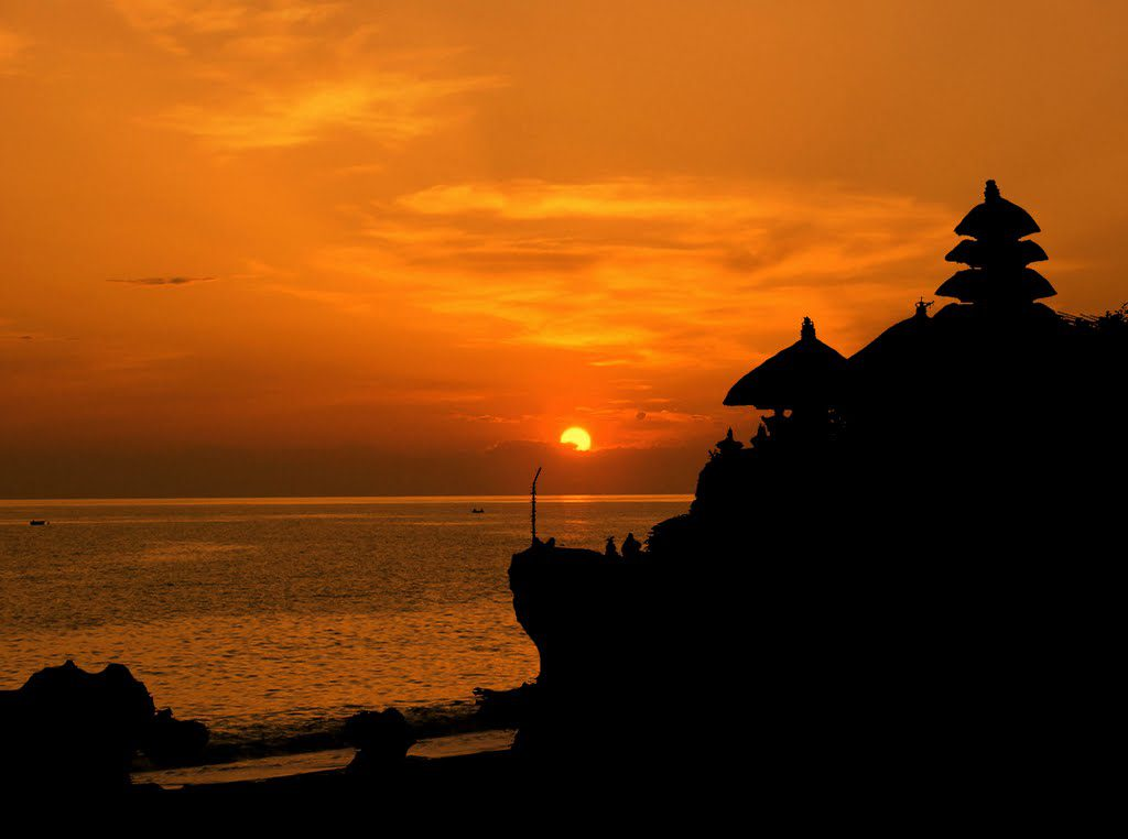 Sunset di Pura Tanah Lot Bali 1024x762 » Pura Tanah Lot Bali, Destinasi Wisata Paling Indah di Pulau Dewata