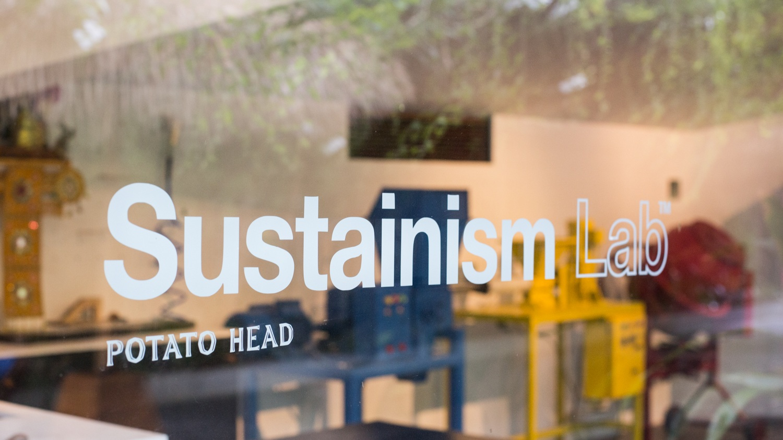 Sustaining Lab Potato Head, Upaya Pengelolaan Sampah Mandiri oleh Kafe Kekinian yang Trendi