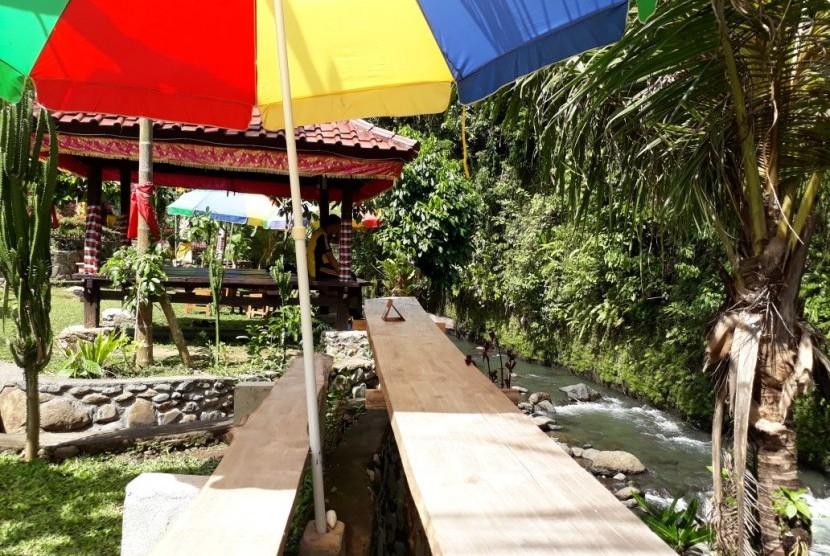 Taman Tao Sukasada, Wisata Kekinian Tepi Sungai Banyumala di Buleleng