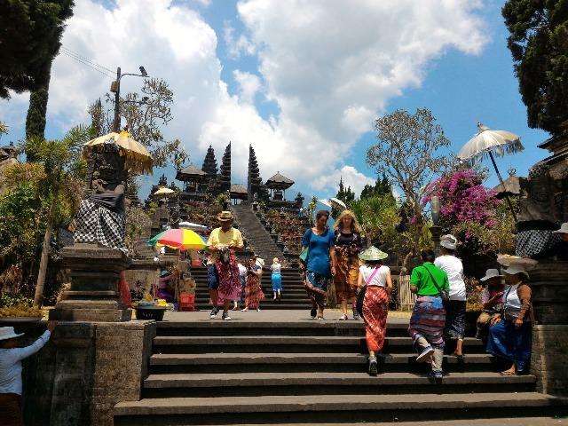 5 Tata Krama di Bali yang Perlu Diperhatikan dan Harus Dipatuhi