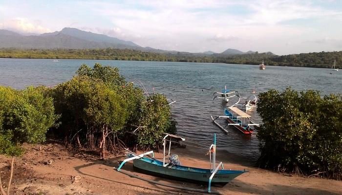 Teluk Banyuwedang Buleleng 1 » Teluk Banyuwedang Buleleng, Surga Wisata dengan Keindahan Alam Memesona di Bali Barat