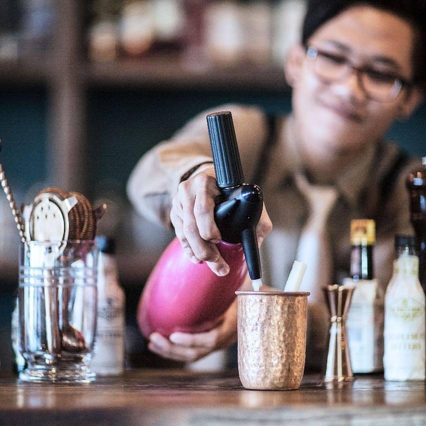 The Bistrot Cafe Seminyak 2 » The Bistrot Cafe Seminyak, Sajikan Kuliner Enak dengan Suasana Interior Vintage