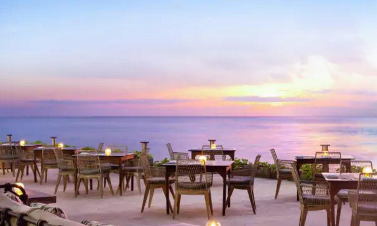 Menikmati Dinner Romantis dengan 3 Suasana Berbeda di The Shore Restaurant Nusa Dua