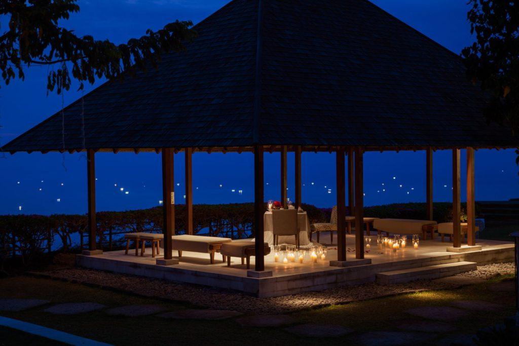 Tirtha Dining Uluwatu 1 1024x683 » Tirtha Dining Uluwatu, Pengalaman Bersantap Romantis di Atas Tebing