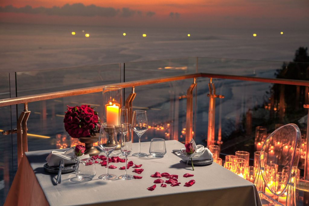 Tirtha Dining Uluwatu 3 1024x683 » Tirtha Dining Uluwatu, Pengalaman Bersantap Romantis di Atas Tebing