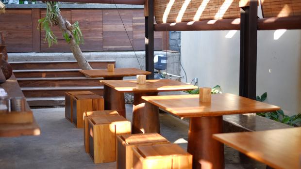 Titik Temu Cafe Seminyak 3 » Titik Temu Cafe Seminyak, Suasana Nongkrong yang Nyaman dengan Kombinasi Konsep Modern dan Alam