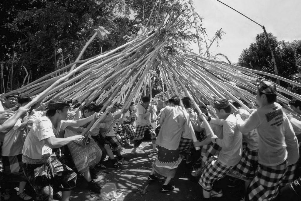 Tradisi Mekotek Desa Munggu 1 1024x685 » Tradisi Mekotek Desa Munggu, Tradisi Tolak Balak ala Warga Bali yang Telah Ada Sejak Zaman Belanda
