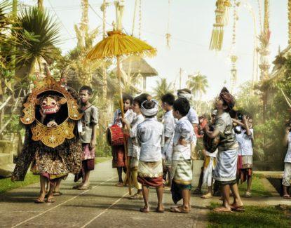 Tradisi Ngelawang Bali