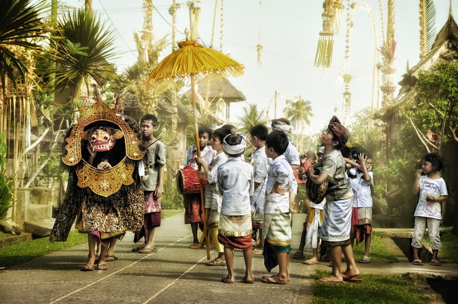 Tradisi Ngelawang Bali 2 » Uniknya Tradisi Ngelawang Bali, Tradisi Mengusir Roh Jahat dan Tolak Balak