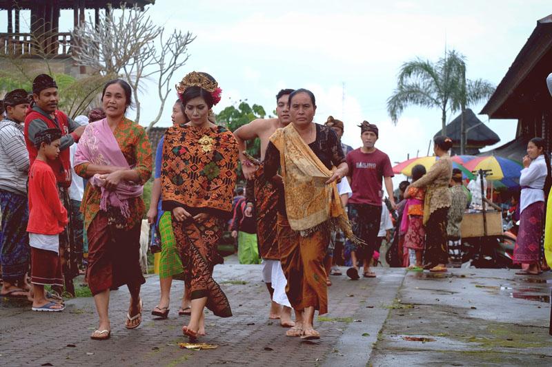 Tradisi Nikah Massal di Pengotan 3 » Tradisi Nikah Massal di Pengotan, Budaya Unik Menyucikan Perkawinan di Bali