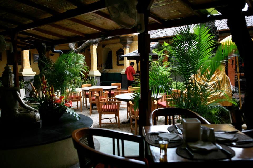Un's Restaurant Kuta 5 » Un's Restaurant Kuta, Tempat Berburu Kuliner Enak dengan Desain Interior yang Nyaman
