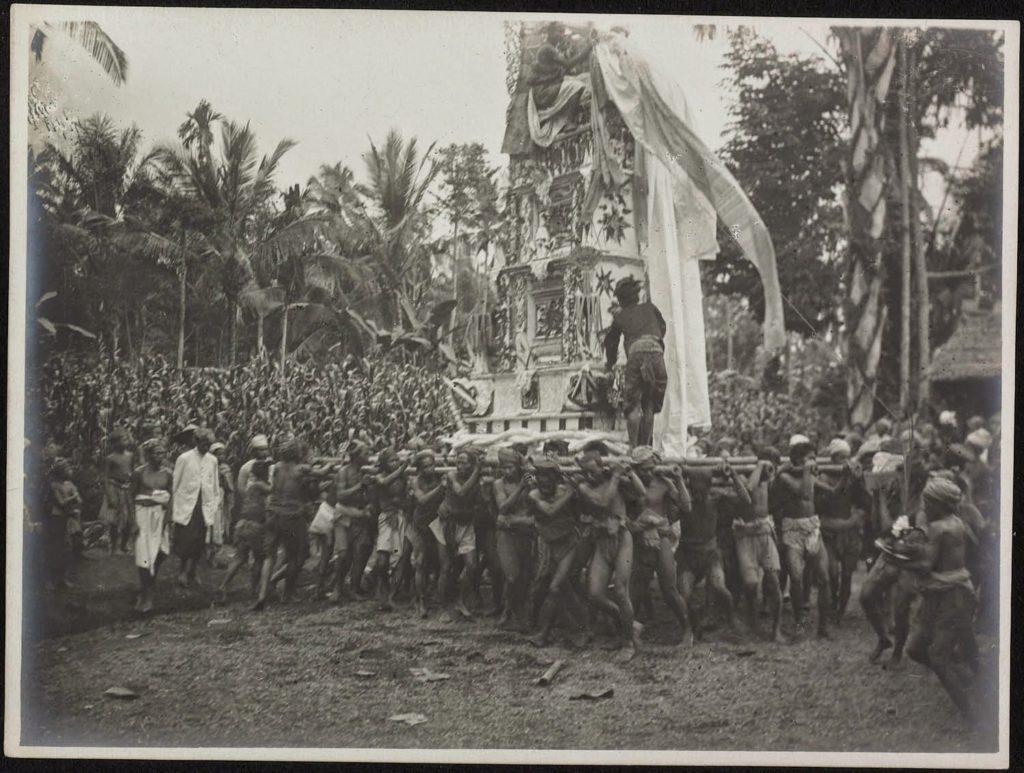 Upacara Ngaben di Bali Zaman Dulu 1 1024x773 » Melihat Kemeriahan Pelaksanaan Upacara Ngaben di Bali Zaman Dulu
