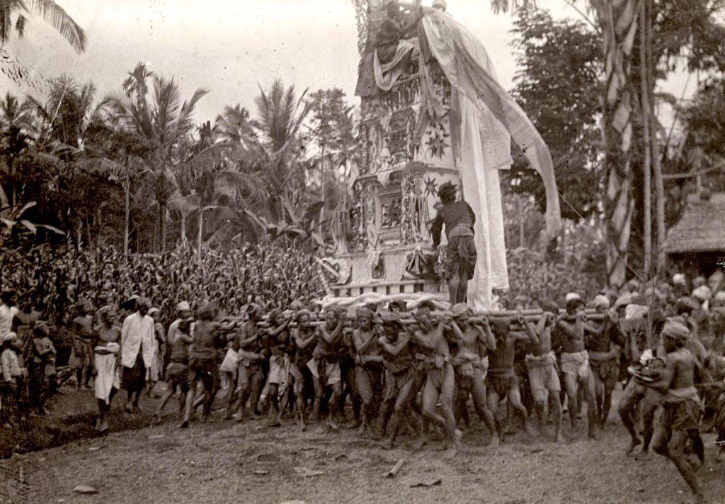 Upacara Ngaben di Bali Zaman Dulu 2 1024x711 » Melihat Kemeriahan Pelaksanaan Upacara Ngaben di Bali Zaman Dulu