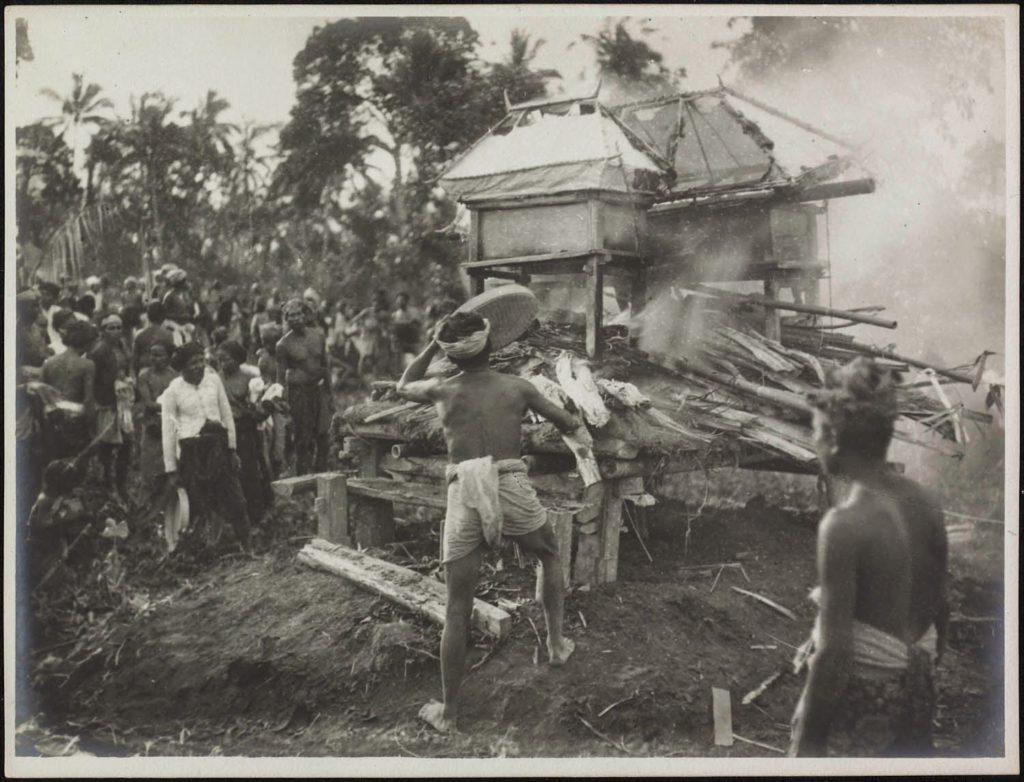 Upacara Ngaben di Bali Zaman Dulu 6 1024x782 » Melihat Kemeriahan Pelaksanaan Upacara Ngaben di Bali Zaman Dulu