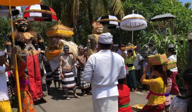 Upacara Ngedeblag di Bali
