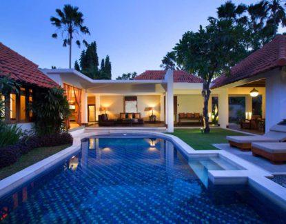 Villa De Daun Kuta