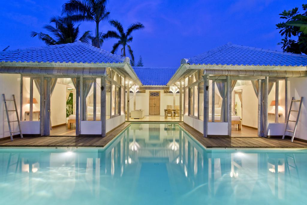 Villa Laksmana Hideaway 2 Seminyak, Penginapan Impian Seperti Berada di Istana Putri Duyung