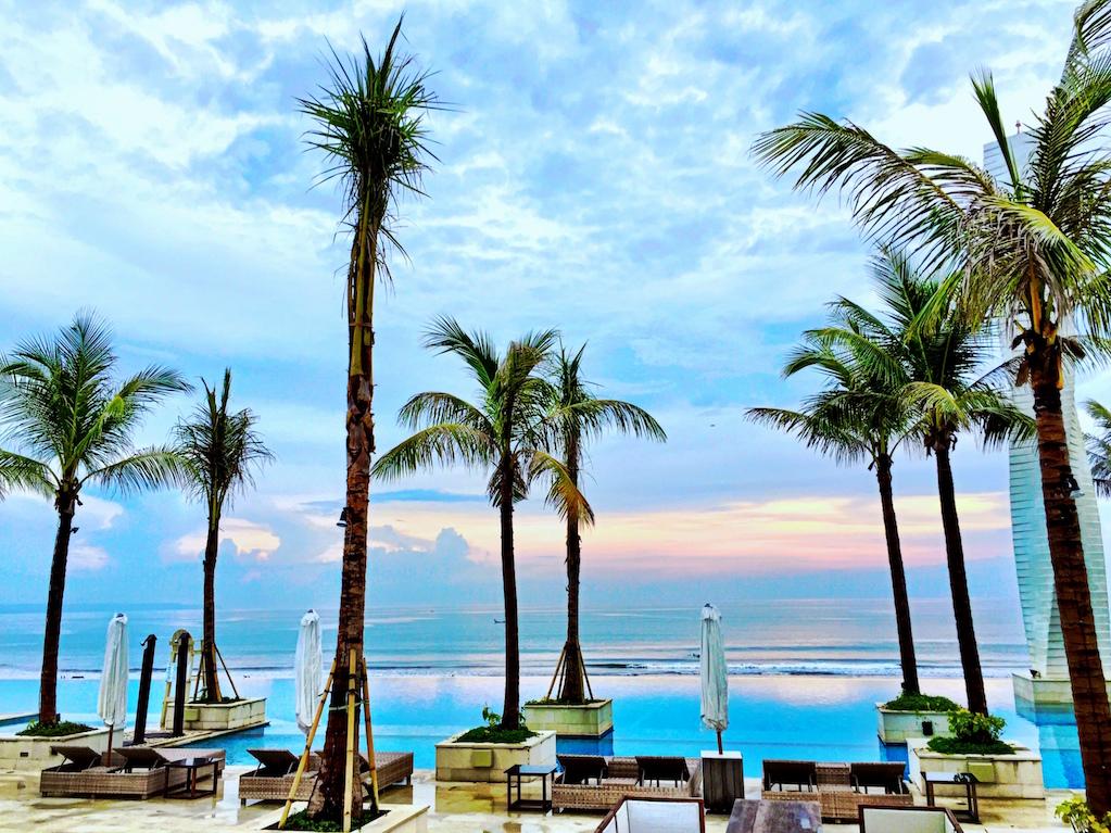 Vue Beach Club Canggu, Tempat Asyik dan Romantis Menikmati Sunset di Bali