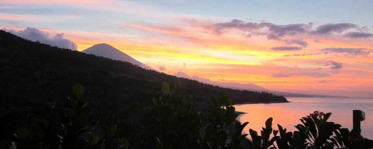 Waeni's Sunset View Hotel Karangasem