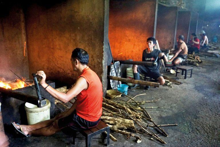 Warung Babi Guling Ibu Oka Ubud 2 » Warung Babi Guling Ibu Oka Ubud, Kuliner Babi Guling Legendaris yang Tak Pernah Sepi Pengunjung