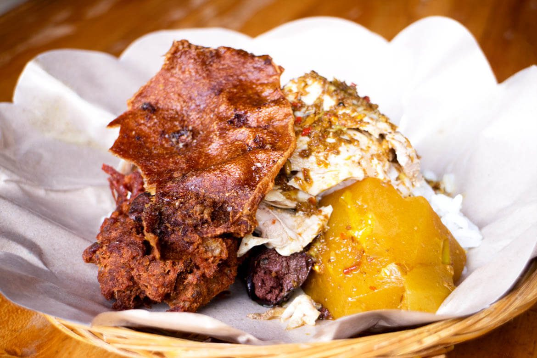 Warung Babi Guling Ibu Oka Ubud, Kuliner Babi Guling Legendaris yang Tak Pernah Sepi Pengunjung
