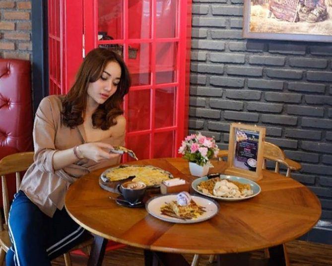 Warung Blaster Denpasar 3 » Warung Blaster Denpasar, Kafe Unik yang Menghadirkan Menu Blasteran dengan Harga Terjangkau